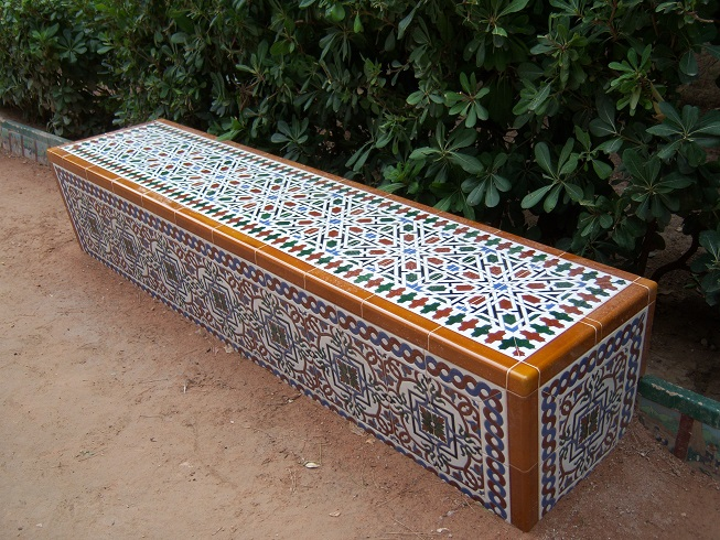 Banco realizado con azulejos Árabes (Jumilla-Murcia)