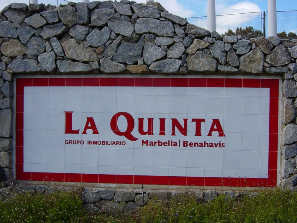 Rótulo Urbanización La Quinta