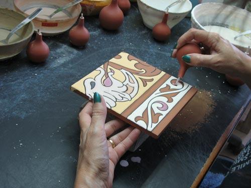 Pintando azulejos cuarda seca
