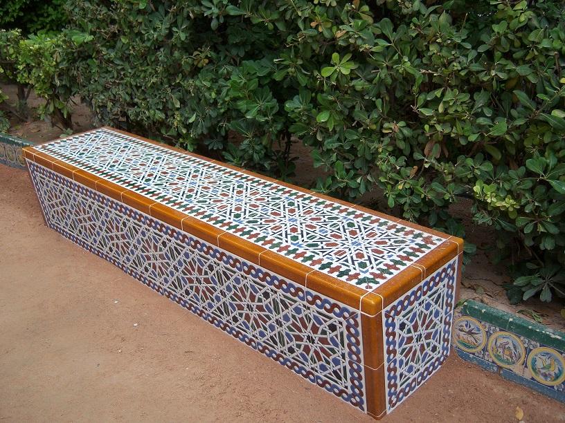 Banco de azulejos árabes